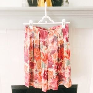 🌺 70s Style High Waisted Floral Shorts